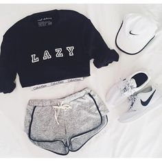 Amazing Workout Clothes Outfits to impress and progress - Outdoor Click Fashion Mode, Look Fashion, Teen Fashion, Fashion Outfits, Womens Fashion, Hipster Fashion, Hipster Clothing, Lazy Day Outfits, Mode Outfits