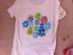 Sharpie Tye-Dye T-shirts general-crafts Sharpie Shirts, Sharpie Tie Dye, Sharpies, Sharpie Markers, Diy Sharpie, Summer Camp Crafts, Camping Crafts, Summer Fun, Summer School