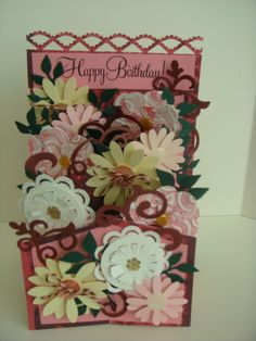 "Carolyn's Creative Corner: ""Cascading Card"" from CardMaker Magazine! Phase 2/Adding the Flowers!"