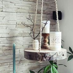 s & # Craft box: {DIY} tree slice hanging floor - Diyproje .- s & # Bastelbox: {DIY} Baumscheibe Hängeboden – Diyprojectgardens.club s & # Craft box: {DIY} tree slice hanging floor # craft box # tree slice # hang floor - Diy Hanging Shelves, Hanging Table, Tree Slices, Wood Slices, Diy Casa, Craft Box, Cute Diys, Farmhouse Decor, Modern Farmhouse