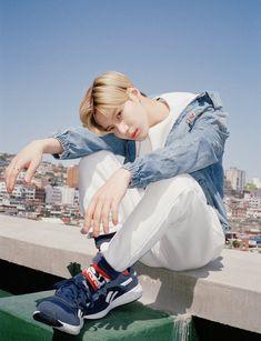 Taemin 💕 Jonghyun, Lee Taemin, Minho, Kim Kibum, Kpop Groups, Shinee Albums, Shinee Debut, Shinee Members, Choi Min Ho