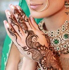 Beautiful Mehndi Design of Pakistan