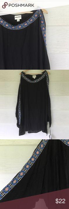 Black cold shoulder blouse Black blouse. Cold shoulder. Embroidered down both arms. Size 3x Ava & Viv Tops