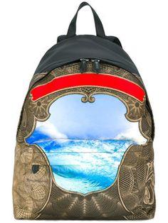 Mochila com estampa Givenchy Nova Coleção 94603d00ade