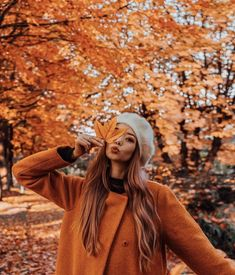 I wish these fall colors would come to FL - winter - fotografie winter - Flower Autumn Photography, Girl Photography, Creative Photography, Photography Ideas, Halloween Photography, Photography Flowers, Travel Photography, Fall Senior Pictures, Tumblr Fall Pictures