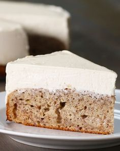 Banana Bread Bottom Cheesecake Love this idea but this recipe doesn't sound great. I don't like gelatin in cheesecake. Cinnamon Cheesecake, Homemade Cheesecake, Cheesecake Recipes, Dessert Recipes, Lime Cheesecake, Banana Cheesecake Bread, Coffee Cheesecake, Classic Cheesecake, Food Cakes