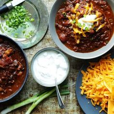 This Slow Cooked Brisket chili is the ultimate recipe to show off to your friends and family. It is quite simply the best! Frozen Asparagus Recipe, Frozen Brussel Sprouts Recipe, Slow Cooked Brisket, Brisket Chili, Ground Beef Cauliflower Recipe, Healthy Shredded Chicken Recipes, Chili Recipes, Lunch Recipes, Baking Recipes