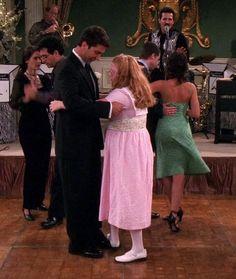 Ross ~ Friends Episode Stills ~ Season Episode 1 - The One After I Do Ross Friends, Friends Season 8, Friends Episodes, Group Of Friends, David Crane, Best Tv Shows, Strapless Dress, Seasons