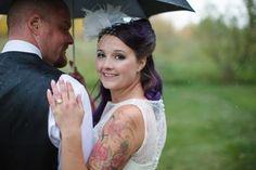 Rainy Wedding - http://www.davingphotography.com/2015/10/danielle-lance-tofield-wedding-photographer-lions-garden-wedding/