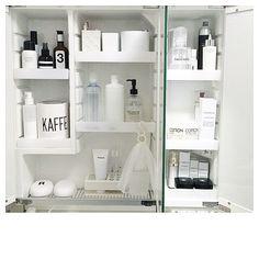 Instagram media by rie1116 - ・ Washstand… 洗面台の鏡裏収納も少し変更 ・ 白多めにして清潔感UPを狙うw ・…