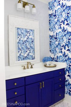 Blue and White Bathroom Makeover Reveal - One Room Challenge Week 6 - 2 Bees in a Pod. painted floors to look like marble. Painting Tile Floors, Painting Shower, Painting Countertops, Painted Floors, Diy Painting, Armoire Makeover, Painted Armoire, Homemade Chalk Paint, Vintage Sink