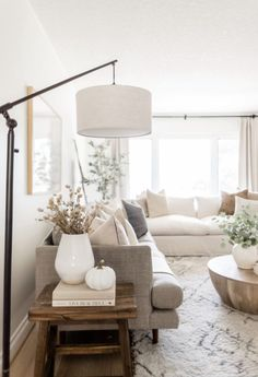 White Couch Living Room, Home Living Room, Small Living Rooms, Stylish Living Rooms, Living Room Neutral, Colorful Living Rooms, Living Room Lamps, Brown Leather Couch Living Room, Living Room Decor Brown Couch