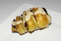 Pommes de terre rôties au four au chorizo, à l'emmental et à la sauce Roquefort Emmental, Sauce, Chorizo, Breakfast, Desserts, Diners, Hui, Voici, Food
