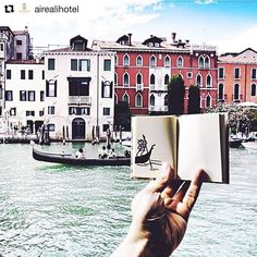 Ah Venise...   #Repost @airealihotel  Oh la la in love with this view  #FromWhereIstand #SLH #ASmallWorld #NatGeoTravel #VolgoVeneto #MyTravelgram #WeLoveIt #CntTakeOver #Worlderlust