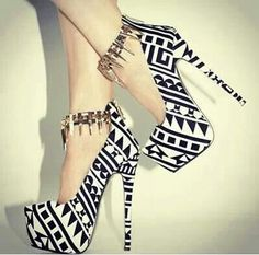 Amazing pumps! Ladies shoes pattern ammo belt ankle strap black and white hot