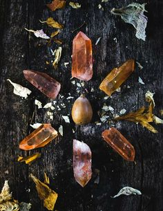 Stone Of The Week: Tangerine Quartz 🌙 From the Santinho mine in Minas Gerais, Brazil, these beautiful Tangerine Quartz come with power Mabon, Samhain, Autumn Aesthetic, Witch Aesthetic, Crystal Magic, Crystal Grid, Crystal Healing, Wiccan, Magick