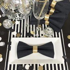 O que significa cocktail dress napkin