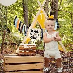 Happy Monday friends! Can we talk about how adorable @countrycheek babe is in his birthday photoshoot from ASP photography!?! We loved how she styled the tent from @piperlovesnella ! Oh and that jumper!?! Come on!!!!