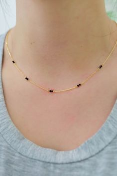 Gold Chain Design, Gold Ring Designs, Gold Jewellery Design, Delicate Gold Necklace, Gold Jewelry Simple, Stylish Jewelry, Pearl Necklace Designs, Gold Earrings Designs, Hipster Jewelry