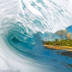 ⚡ Image name: Cool Whip #hawaii #shorebreak #clarklittle Nikon d300/sb800 flash #Padgram