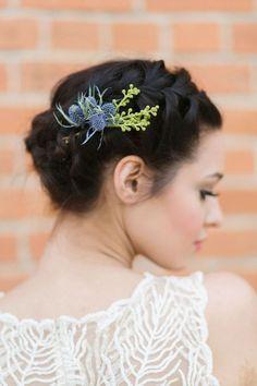 Idées de coiffure printanières et fleuries