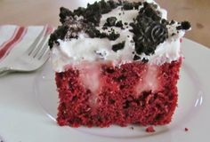 If you want to liven up a cake, you make red velvet cake. If you want to liven up a red velvet cake, you make a red velvet poke cake. Elegant Red Velvet Poke Cake is baked as normal and then poked with holes. Poke Cakes, Poke Cake Recipes, Cupcake Cakes, Dessert Recipes, Layer Cakes, Yummy Recipes, Cooking Recipes, Red Velvet Poke Cake, Cake Mix Ingredients