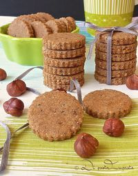 Savoy biscuit with Mercotte chocolate - HQ Recipes Fall Recipes, Sweet Recipes, Biscotti Cookies, Biscotti Recipe, Chocolate Biscuits, New Cooking, Dessert Dishes, Italian Cookies, Healthy Cake