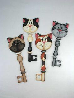 A Stroke of Jeanne-ius  - Kitty Cat Key Ornaments  Pattern Packet, $8.00 (http://www.astrokeofjeanneius.com/kitty-cat-key-ornaments-pattern-packet/)