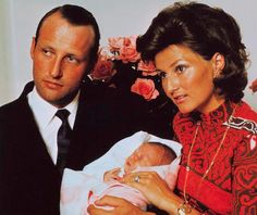 theroyalwatcher:  Then Crown Prince Harold and Crown Princess Sonja (now King and Queen) of Norway with newborn Princes Märtha Louise, 1971