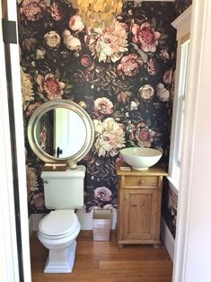 Floral wallpaper: What to do and what not to do