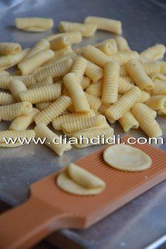 Diah Didi's Kitchen: Kue Siput Vs Kue Garpu