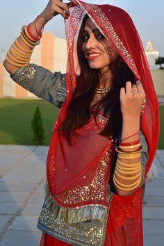 Rajasthani Photo, Rajasthani Bride, Rajasthani Dress, Indian Gowns Dresses, Indian Fashion Dresses, Royal Dresses, Indian Bridal Wear, Indian Wear, Rajputi Dress