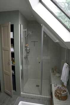 Small bathroom renovations 130534089187889154 - Admirable Attic Bathroom Makeover Design Ideas Source by McommeMarin Attic Shower, Small Attic Bathroom, Loft Bathroom, Upstairs Bathrooms, Bathroom Layout, Bathroom Interior, Bathroom Ideas, Bathroom Storage, Budget Bathroom