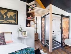 Gorgeous tiny home on wheels blends midcentury and boho style ...