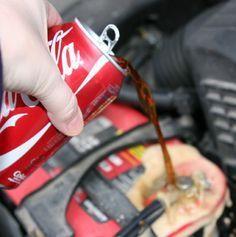 15 astuces géniales à réaliser avec du Coca-Cola noté 3 - 6 votes Nous sentons déjà arriver les levées de boucliers concernant le Coca-Cola et notamment ses effets néfastes sur la santé. Simplement, il ne s'agit pas ici de le boire mais plutôt de l'utiliser dans des tâches quotidiennes. Ces 15 astuces ne vont pas...