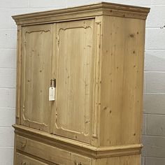 Large Old Dutch Pine Linen Press With Drawers (F7701F)