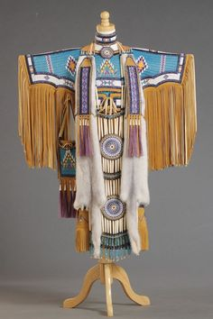 Beverly (Bear King) Moran, Winona - Lakota for First Daughter // Best of Division I: Adornment Native American Clothing, Native American Regalia, Native American Women, Native American Beadwork, Native American Fashion, Indian Beadwork, Native Style, Cherokee, Native Indian