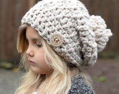 Crochet PATTERN-The Dailynn Slouchy pattern por Thevelvetacorn