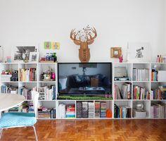 white bookcase | estante linda #decor #salasdeestar #estantes