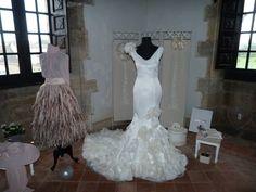 Vestido novia de Vicky Martín Berrocal de Arrizabalaga Fashion Poses, Mermaid Wedding, Wedding Dresses, Dress, Grooms, Wedding, Bride Dresses, Bridal Wedding Dresses, Weeding Dresses