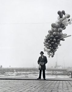 Photography and Jazz Lovers — edoardojazzy: Man selling balloon, Finland, Balloons Photography, Bw Photography, Vintage Photography, Street Photography, Pose, Chasing Dreams, White Image, Black And White Pictures, Vintage Black
