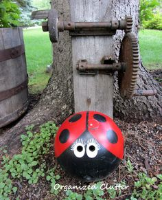 Finally found something to do with the kids' Bowling balls we never got rid of. I'm not very crafty, we'll just wait and see if I can do it. Bowling Ball Crafts, Bowling Ball Garden, Mosaic Bowling Ball, Bowling Ball Art, Garden Balls, Bowling Pins, Bowling Ball Ladybug, Garden Junk, Garden Whimsy