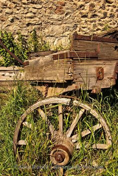 Antique wagon in Virginia City, Montana. In 1961, Virginia City and the surrounding area was designated a National Historic Landmark District. (V)