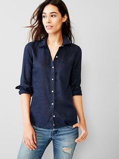 Fitted boyfriend linen shirt Product Image