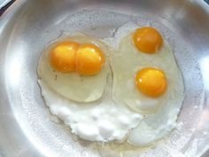 My Life and Garden: Double yolkers!!