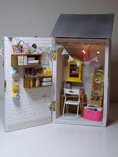 Lauren's Boucherie | Flickr - Photo Sharing! Miniature Rooms, Miniature Crafts, Miniature Furniture, Dollhouse Furniture, Cardboard Dollhouse, Dollhouse Dolls, Dollhouse Miniatures, Quilling Dolls, Doll House Plans