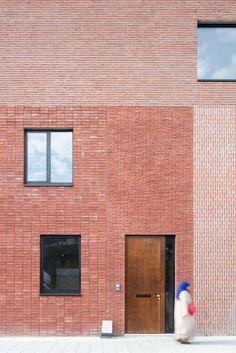 PTA Architects DEUTSCH Source by mynameiskasia - architecture Brick Design, Facade Design, Exterior Design, Brick Architecture, Architecture Details, Interior Architecture, Brick Cladding, Brickwork, Modern Entrance Door