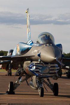 🇬🇷🦅💪 Military Jets, Military Aircraft, Hellenic Air Force, F 16 Falcon, May Bay, Work Family, Viper, Canes, Armed Forces