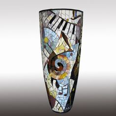 I chose these examples from many different countries. You will find china vases, america, europe and asia vases in the photo below. We share with you beautiful vases.