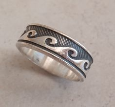 Sterling Silver Band Ring with Breaking Waves Pattern Mexico Size 13 3/4 8.5mm Vintage